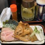 縁道 - チャーシュー、生姜焼き、のり、メンマ