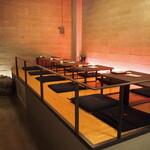 パフェ、珈琲、酒、佐々木 - 店内(小上がりテーブル席)