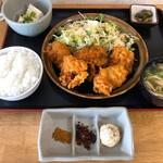 定食屋さん千 - 料理写真:からあげ(スパイス付)定食