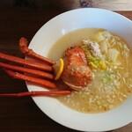 リトルアラスカン&スモールキャビン - 料理写真:蟹ラーメン(半身)