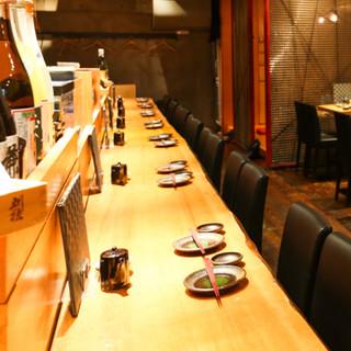 ご宴会にも最適な、広々使える落ち着いた店内。