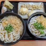 宝製麺所 - かけうどん(大)ぶっかけうどん(並) 他
