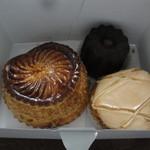 オーボンヴュータン - 2012年3月:箱にはピティビエ、カヌレ、コンベルサシオン・ポワール