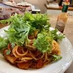プリムローズ - 料理写真:手造りベーコン チーズトマト スパゲティ
