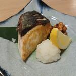 123052445 - 焼き魚 カンパチ