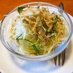 グランドカフェ - カレーのサラダ