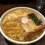 中華蕎麦 金魚 - ワンタン麺