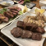もつ焼き いしん - ・豚たんあぶり焼き 750円 ・おすすめ串盛り合わせ10本 おまかせ 塩 980円
