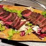 あぶり料理の権十楼 - 黒毛和牛 赤身の熟成肉 3927円