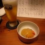 寿司割烹遠藤 - 料理写真:生ビール & 付き出し