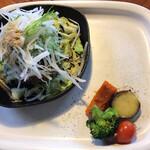 AGカフェ - 香味ギザミ野菜をのせたビーフハンバーグ(1600円)