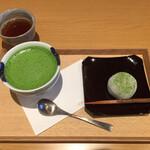 123073476 - 宇治茶とお菓子のセット 980円