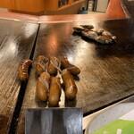 ぼてふく - ウインナー・牡蠣焼き