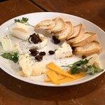 エス グロッソ - 本日のおすすめチーズ盛り合わせ