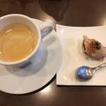 アンティカ オステリア ゴンドレッタ - ランチ コーヒーとミニデザート