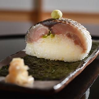食材へのこだわりと日本料理の伝統に、独創性を加えた本格懐石