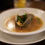 青山シャンウェイ - 白蛤のスープ