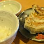 らー麺 もぐや - ランチセットのライスと餃子¥100