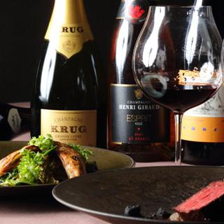 前菜からデザートまで、厳選ワインとのペアリングを堪能。