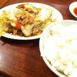 中華麺飯 太楼 - 豚肉とキャベツの黒胡椒炒めセット (780円)