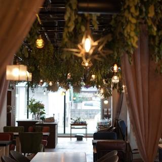 花カフェ「ラズリ」が新コンセプトの店。