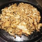 名古屋もつ焼き ひとすじ - 鉄板焼きごはん 焼物の〆に最高。ホルモン焼きごはん〆