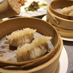 中国料理 南園 - フカヒレ入り蒸し餃子