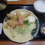 湘南のカキ小屋 笑山 - エビフライ&カキフライランチ(1,518円)