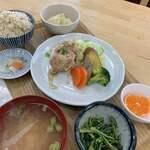 元気市食堂 - 料理写真:日替りの【彩食ランチ】