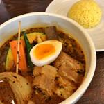 スープカリー専門店 元祖札幌ドミニカ - 料理写真:黄•ポーク•小•3辛 1100円