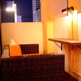 5階から眺める夜景は絶景。夜風を感じながら飲むお酒は絶品。