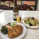 エチゴヤ - 料理写真:瓶ビール550円、野菜炒め500円、メンチカツ670円