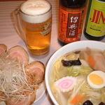 中華 アジイチ - 料理写真:ごまねぎチャーシュー&野菜たっぷり五目らーめん&お酒♪