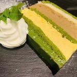 抹茶のミルフィーユケーキ