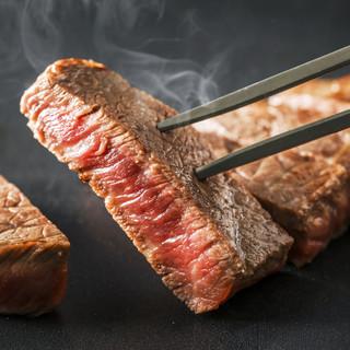 厳選した季節の素材を活かしたお料理をお楽しみください。