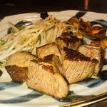 鉄板焼キュイジーヌ バンブー グラッシィ - 和牛テンダーロイン(50g)×2         3,200円~ 信州プレミアム牛肉だそうです。