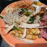 123166935 - サラダ、肉系のお皿