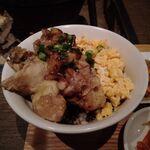 鳴尾 - 料理写真:炭火焼鶏ハラミ2色丼