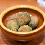 aniko - オリーブの肉詰めフリット