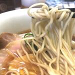 ラーメン屋 トイ・ボックス - しなやかな麺