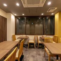京のSAKESORA-2階テーブル席