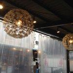 mannoya Beef Garden amemura - おしゃれライトが煙でさらにお洒落なセピア色に