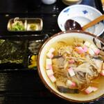 博多海鮮処 しらすくじら 明神丸 - 玄海島にゅう麺セット800円。