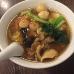石庫門 - 具たくさん広東麺