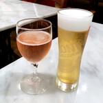 123221054 - Rosato/ロゼ(650円)                       樽生ビール ナストロアズーロ(700円)