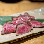 炭火原始焼と蔵元焼酎の店 のどぐろの中俣 - 薩摩黒毛和牛ザブトン炭火焼き