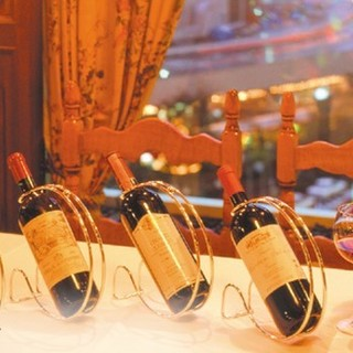 イタリア直輸入ワイン800種類!期間限定でテイクアウト可能