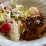 カフェ 伊豆オーキッド - 料理写真:デミグラスソースの煮込みハンバーグ 1200円。