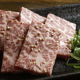 肉のプロが認めた高品質の黒毛和牛。売り切れ御免の逸品!