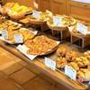 ポワール - 料理写真:惣菜パンコーナー。